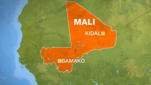 Mali: Up to 20 dead as fighting threatens peace deal