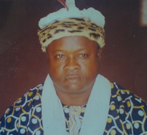 Paramount Ruler Marks 12 years of Loss of Bakassi to Cameroon, Mourns Day with Special Dress