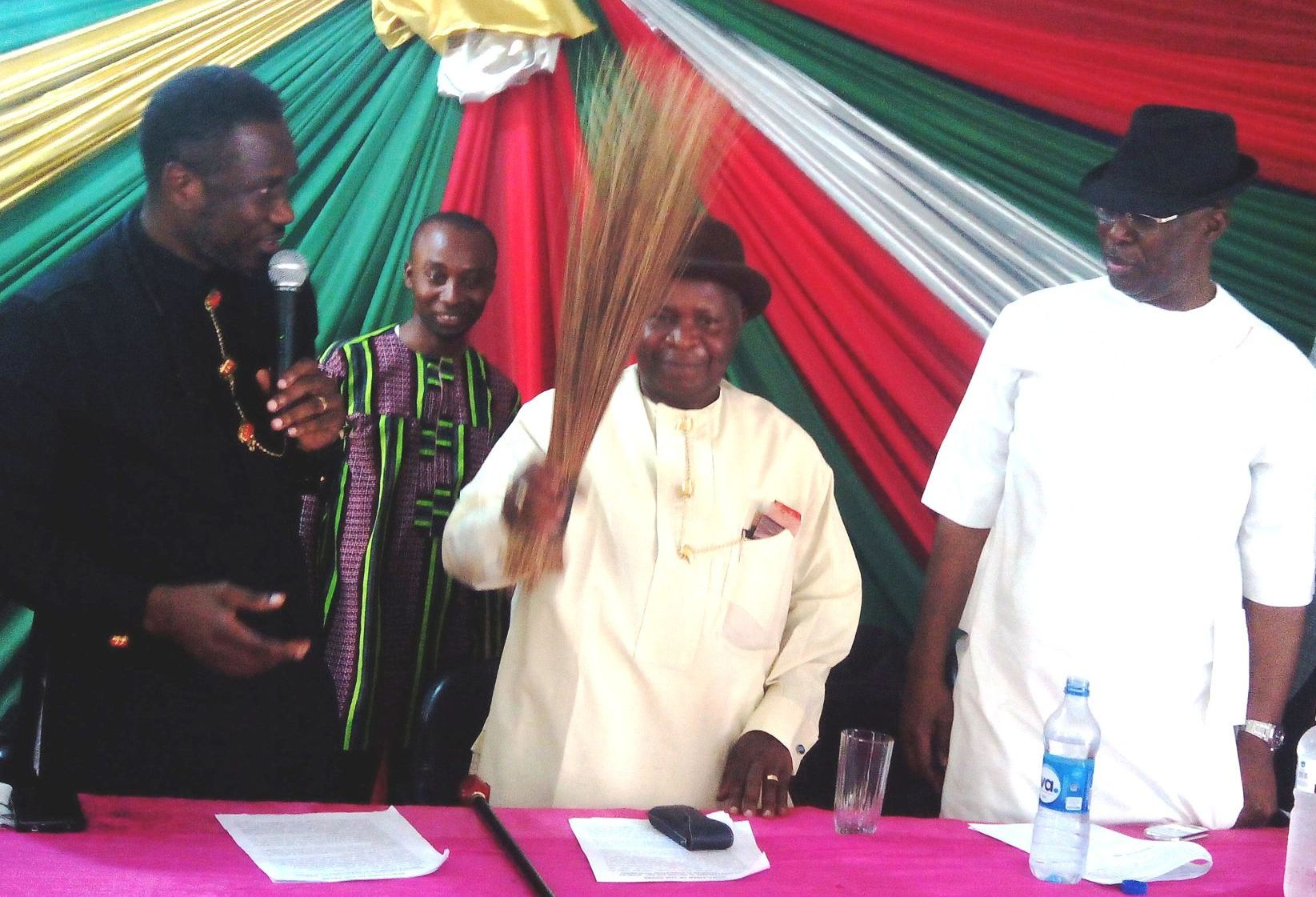 Bayelsa PDP Chieftain Fred Oboro defects to APC decries neglect of Bayelsa by Jonathan