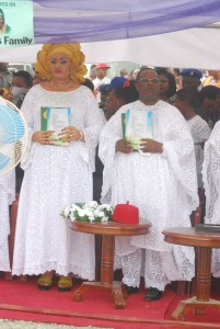 Governor David Umahi of Ebonyi State and wife, Rachel, during the burial of the mother of the governor in Uburu on Friday. Photo: EBSG