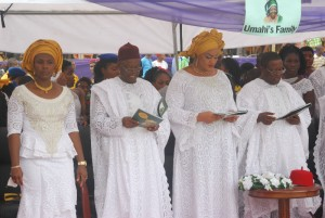 R-L: Governor David Umahi of Ebonyi State and wife, Rachel; Maj. Gen. Obi Umahi and wife,Chinyere, during the burial of the mother of the governor and Maj. Gen. in Uburu on Friday. Photo: EBSG