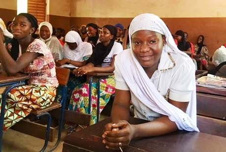 UN Women supports girls and young women in Mali to pass high school exams – and to pursue their dreams.