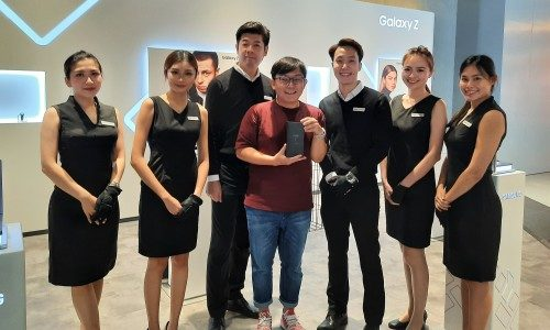 Samsung's Galaxy Z Flip Sold Out in Singapore